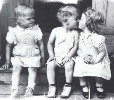 Desde pequeño los celos nos puede arruinar la vida y las relacciónes.