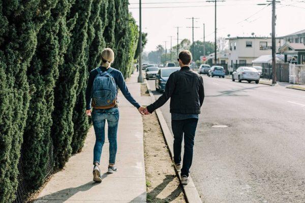 fotografía de vivir en pareja jovenes